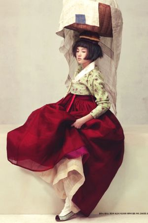 """""""Harvest Feast"""" layers of fabric to create volume and ease of movement. Lightweight sheer fabrics that build opacity through layering. Juxtaposed against thicker heavy fabric for jacket. Rich colour against soft neutrals. [Photo: Ogh Sang Sun 