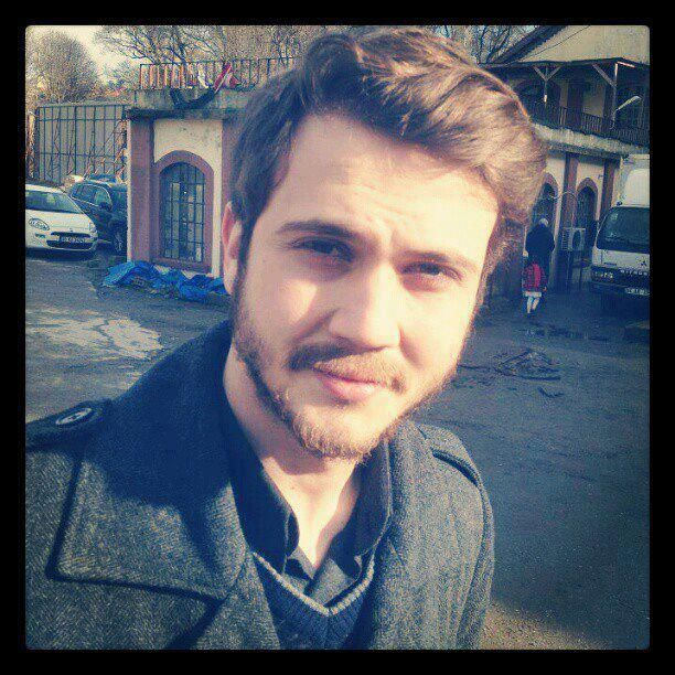 Aras Bulut ynemli please follow me,thank you i will refollow you later