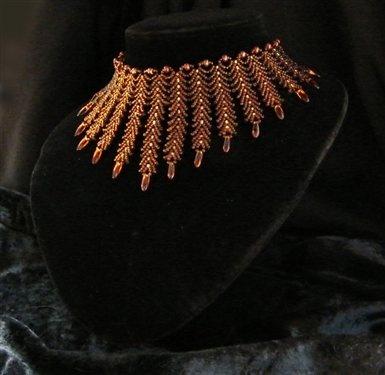 Another version of the St. Petersburg collar HAY UNO SIMILAR PARA APRENDER LA TECNICA,EN YOU TUBE