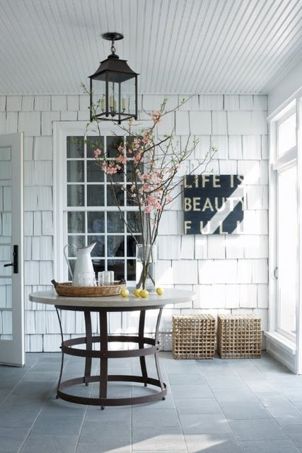 ideal entryway / hall hallway / wood white rustic scandinavian / lamp lighting / decor details / table window / plant