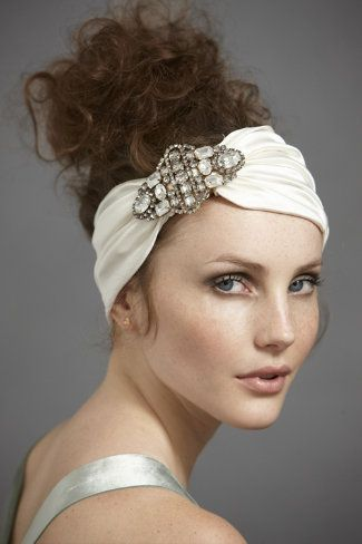 LOVE headbands for brides or even bridesmaids- such a fun accessory