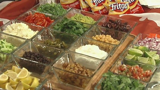 It's tailgate time and Chef Steve Constantine shows off his Frito pie bar which is sure to elevate your party to the next level. http://www.fox7austin.com/good-day/203968313-story