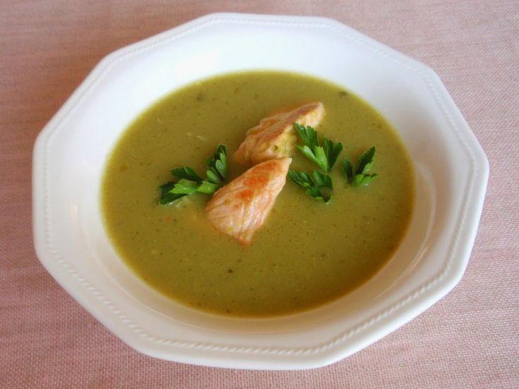 Aneta Goes Yummi: Hráškovo-mätová polievka s lososom
