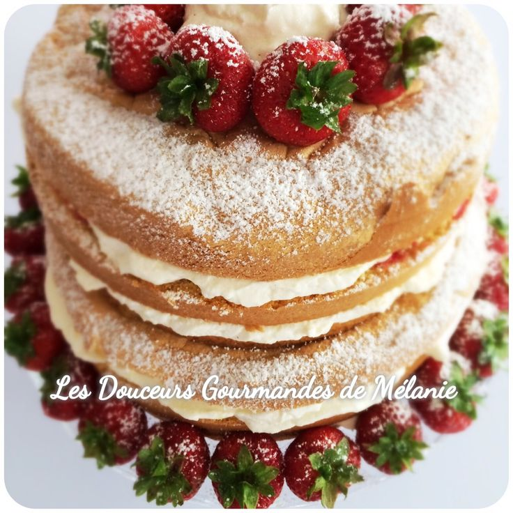 Naked Cake - Gâteau nu : Fraises-Chantilly