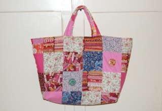 patchwork: cette housse de machine à coudre est aussi un sac ! - this machine cover is also a bag !
