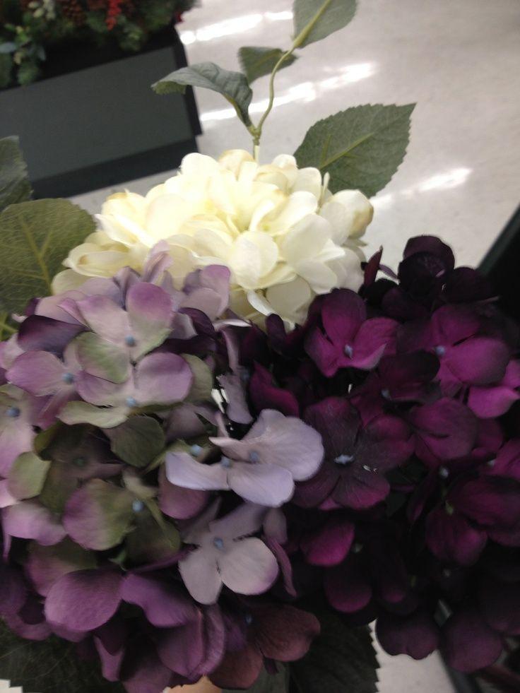 Purple Hydrangea Bouquet | Purple and white hydrangea bouquet | Wedding Wishes