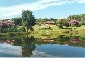 The guest house is set in a beautiful veld with ample spaces for long walks through the green lawns dotted with trees and a river flowing past the guest house is ideal for swimming, fishing and river rafting.