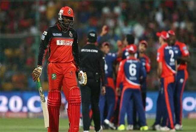 महिला रिपोर्टर पर कमेंट करना गेल को पड़ा भारी, #IPL से हो सकते हैं बाहर !  http://www.jagran.com/cricket/headlines-rajiv-shukla-to-take-up-gayle-issue-with-bcci-14063899.html #ChrisGayle #RCB #IPL #RajeevShukla #BCCI #AjayShirke