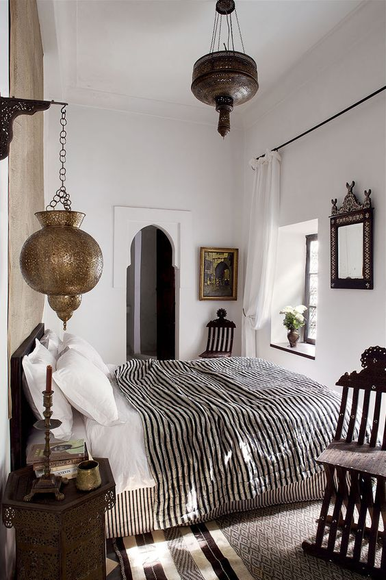 I LOVE this! The stripes and middle eastern-inspired elements make a really interesting contrast.