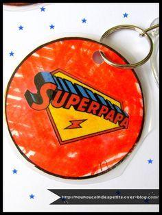 """.. Porte clé du """" SUPER PAPA """" .."""