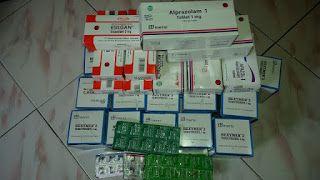 Alprazolam 0,5 mg           Alprazolam Dexa Obat Penenang Pikiran ini merupakan salah satu dari golongan obat Benzodiazepines atau disebu...