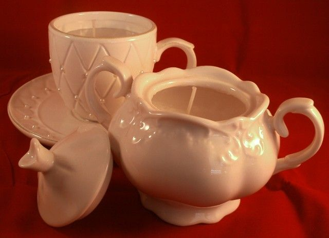 Making Sugar Bowl Candles and Tea Cup Candles is an easy, frugal, do-it-yourself gift.