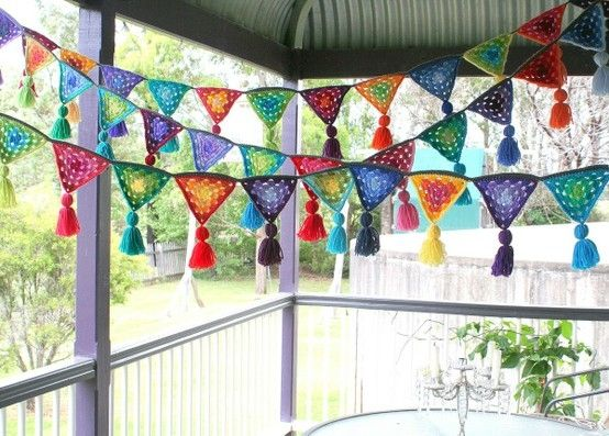 crochet decorative flags - another reason to learn crochet!