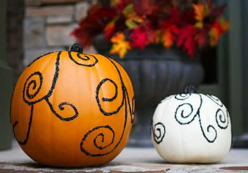 I know what my pumpkins will look like next Halloween. (:
