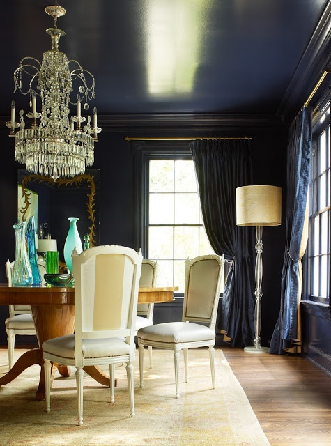 Love the navy wall and ceiling for the dining room, and paired with cream stripe dining chairs. Really pretty and striking. Design by Jan Showers.