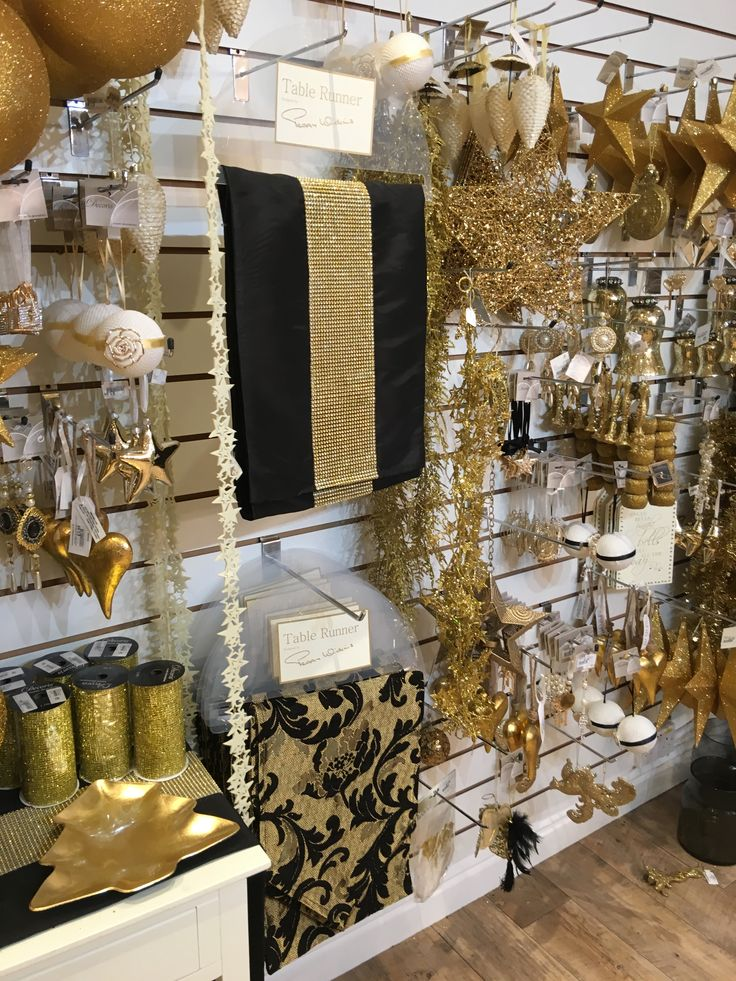Retail Display - Christmas shop display - #slatwall #slatwallpanels - Range of colours in stock now for next day delivery. www.shopfittingsuppliesonline.com