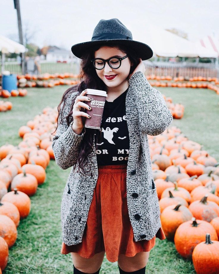 Visiting the pumpkin patch and picked up a warm @dunkindonuts Salted Caramel Macchiato for this beautiful day! I love all of the fall feelings a delicious cup of coffee can give you (even better with a cozy cardigan)! Plus this one is sweet and salty so it's the best of both worlds. #SalteDDCaramel #DDGrammers #Sponsored