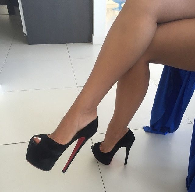 http://faces-and-heels.tumblr.com/post/123280263067