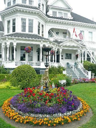 Best 20 Victorian gardens ideas on Pinterest Front