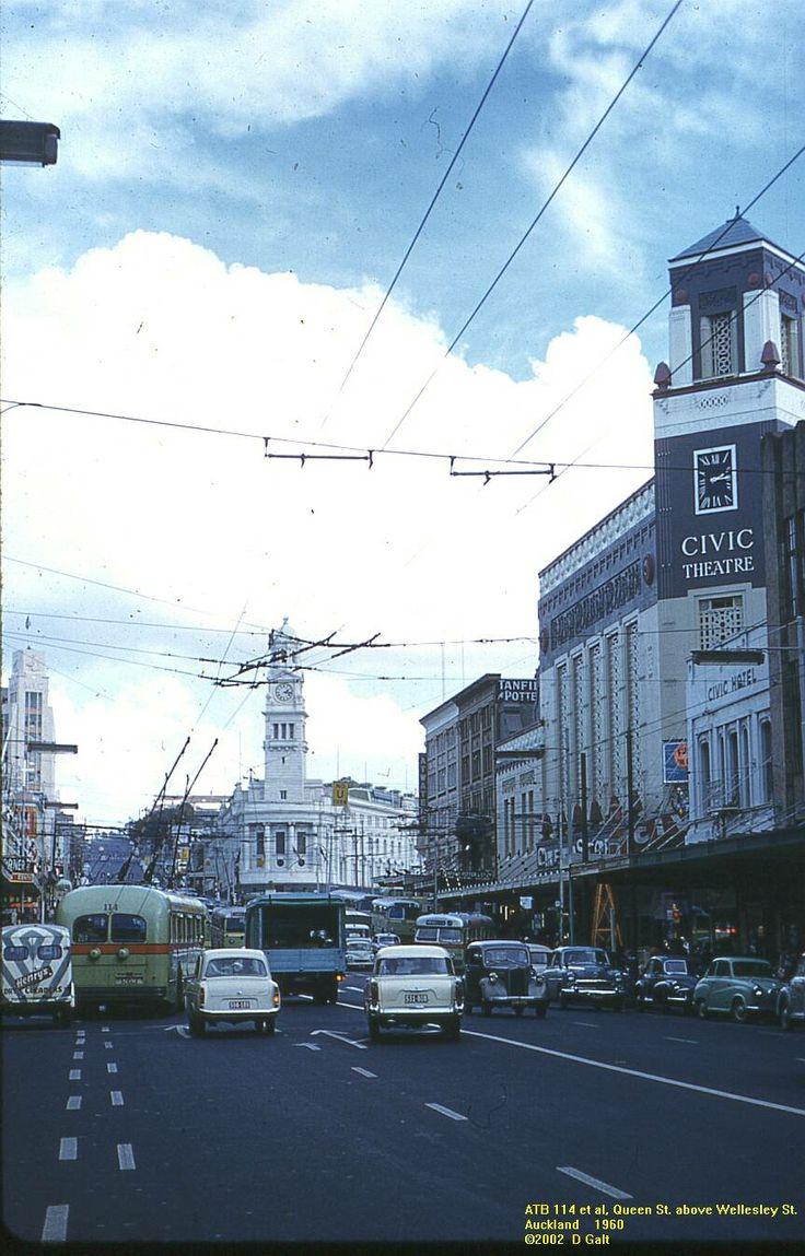 Bill ✔️ Queen Street, Auckland in 1960. Bill Gibson-Patmore. (curation & caption: @BillGP). Bill✔️