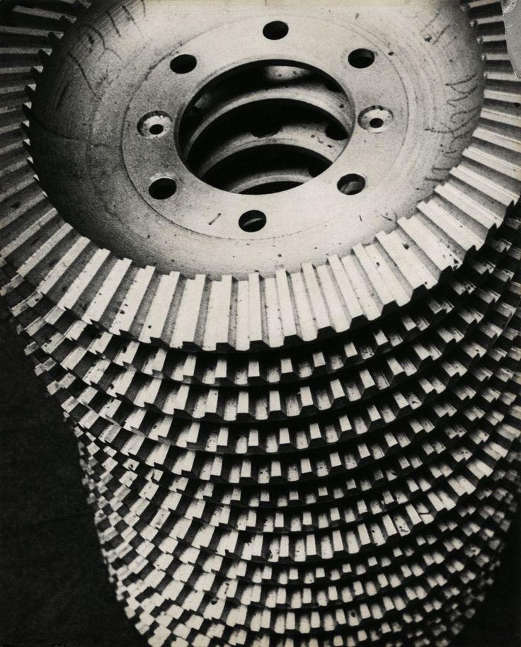 http://artblart.files.wordpress.com/2011/08/alexander-rodchenko-gears-web.jpg