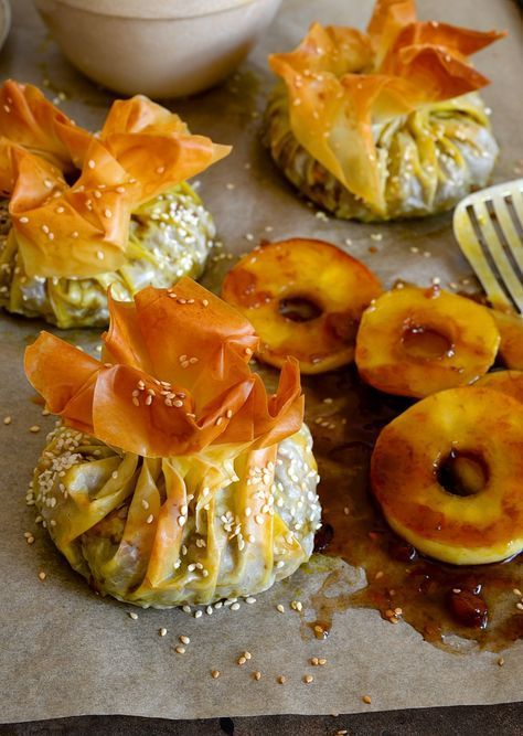 Bobotie filo parcels with apple ring chutney