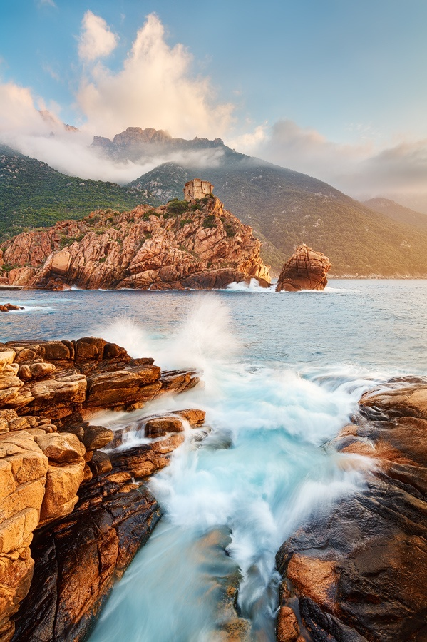 Cette photo donne envie n'est ce pas ? Elle donne envie d'évasion, de voyage, dé découverte de paysages sublimes et impressionnants. Photo prise en Corse. #Corsica #vacances