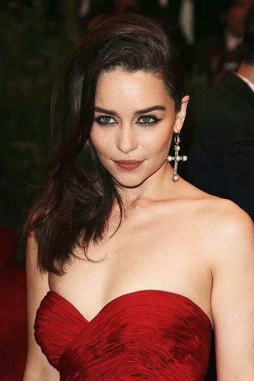 Emilia Clarke, stunning