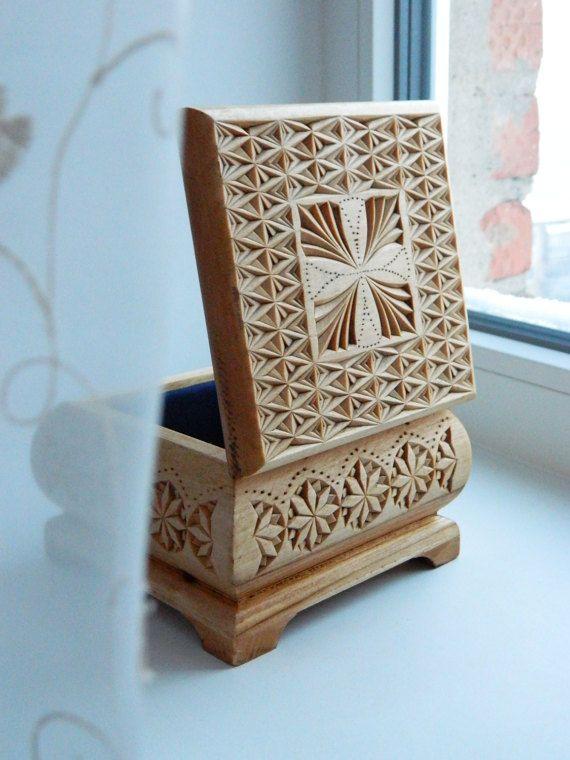 """Kaleidoscope-2"" box by Tatiana Baldina"