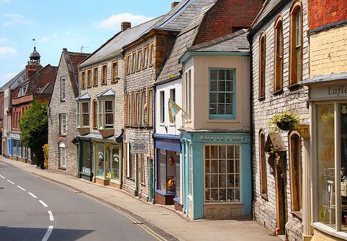 Langport Street. by Canis Major, via Flickr