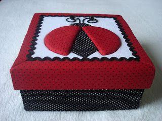 http://patriciachagasartesanatos.blogspot.com.br/2013/04/patchwork-embutido.html
