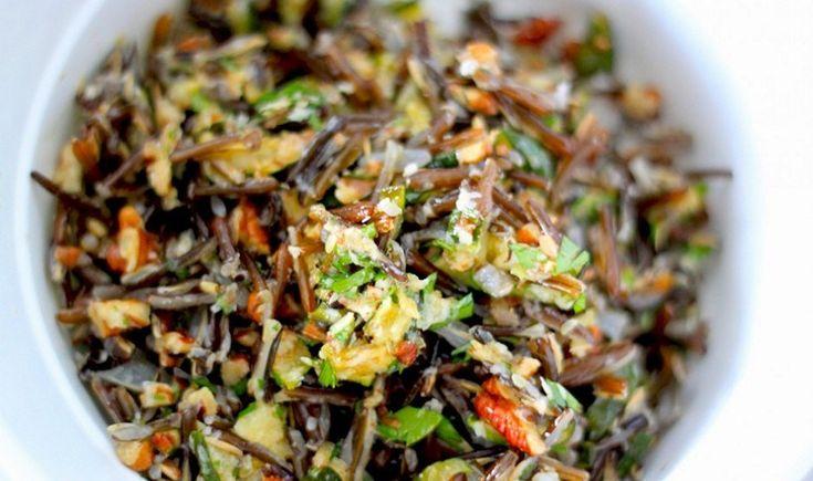 Σαλάτα με άγριο ρύζι και κολοκυθάκια