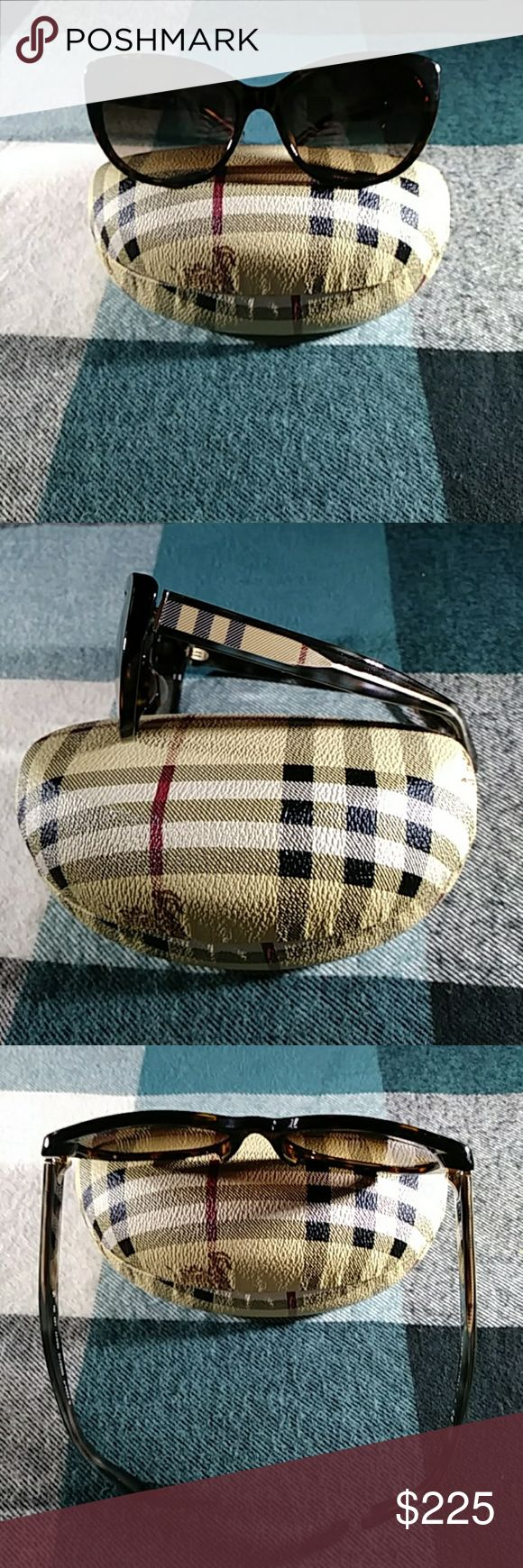 🇬🇧Beautiful Burberry Sunglasses w/case!! 🇬🇧Gorgeous cat eye sunglasses by Burberry. This item comes with a beautiful hard shell case. Tortoise shell. Nova Check print on sides. These are preowned but in excellent, like-new condition. 1 tiny scratch on right lens that does not affect vision and is not noticable unless you inspect them closely. I was unaware of scratch until I inspected them to list. Case is gorgeous and like-new as well. ✔Every purchase receives an amazing free 🎁…