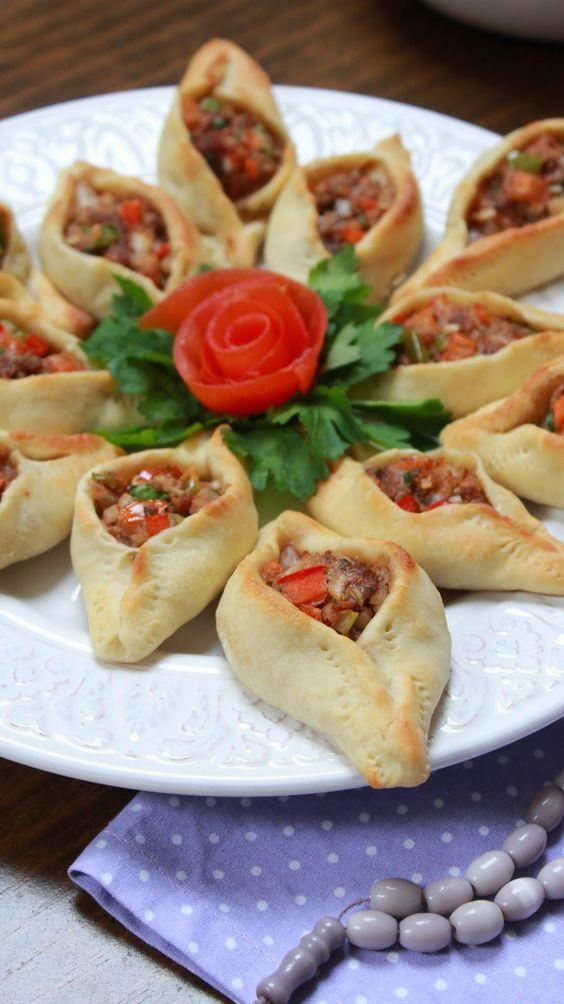 Empanadillas árabes de carne y verduras(Fatayer) فطائر