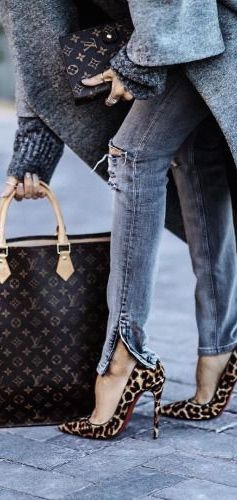 Louis Vuitton  Louboutin Heels, Street style