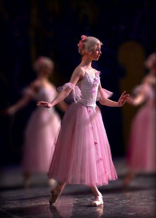 Waltz of the Flowers BALLETlove | LATEST trends | BALLET | DANCE | BALLET-BARRE | FITNESS | trendyEXERCISES | balletworkout | pinned by http://www.cupkes.com/