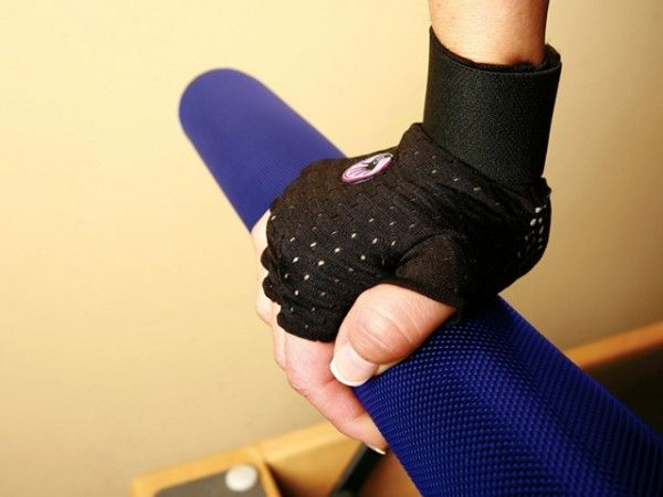 Wrist-support gloves for cross fit
