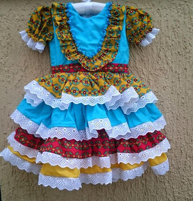 Vestidinho de Chita Junino <br>Super rodado e colorido. <br>Para arrasar no arraiá!