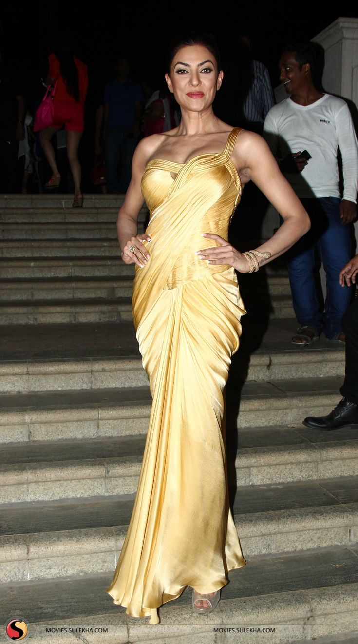 Sushmita Sen Walks the Ramb at Smile Foundation Fashion Show Stills & Pics