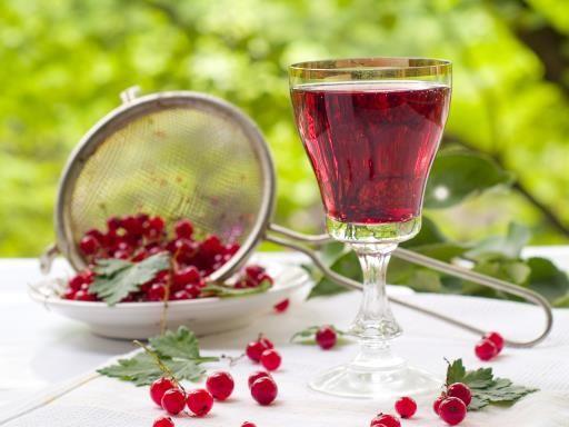 Vin de groseille : Recette de Vin de groseille - Marmiton