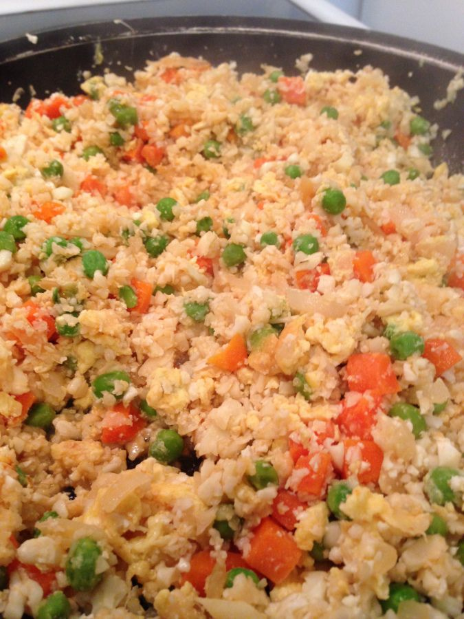 Chinese fried cauliflower rice... I think I can even get the hubby to ...