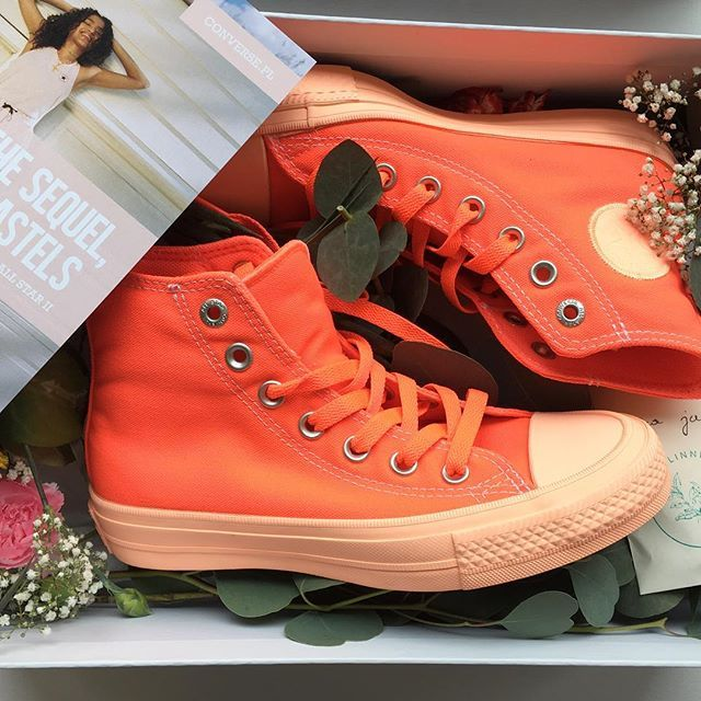 Nowa świetna kolekcja @converse pastels tylko dla dziewczyn! Idealna na wiosnę  #conversepl #allstar #orange #summervibe #pastels  via ELLE POLAND MAGAZINE OFFICIAL INSTAGRAM - Fashion Campaigns  Haute Couture  Advertising  Editorial Photography  Magazine Cover Designs  Supermodels  Runway Models