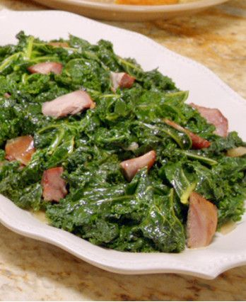 Patti Labelle's Kale with Smoked Turkey Leg http://wm13.walmart.com/Cook/Recipes/93487/