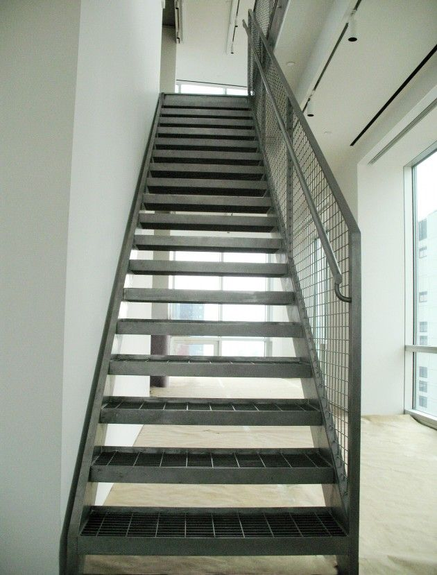 Steel Grate Treads With Images Staircase Design