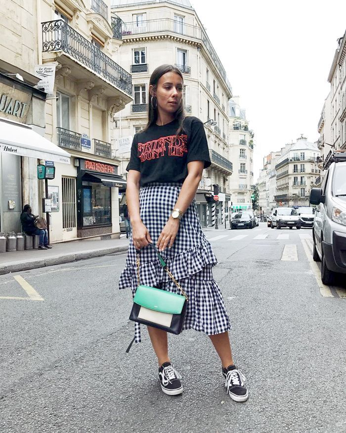 c4ff049feda0b Discover the casual but cool outfit ideas fashion girls are wearing this  summer.