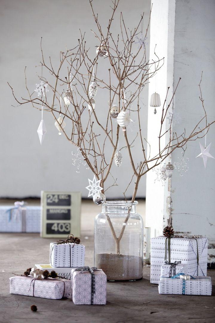 árbol de navidad hecho con ramas