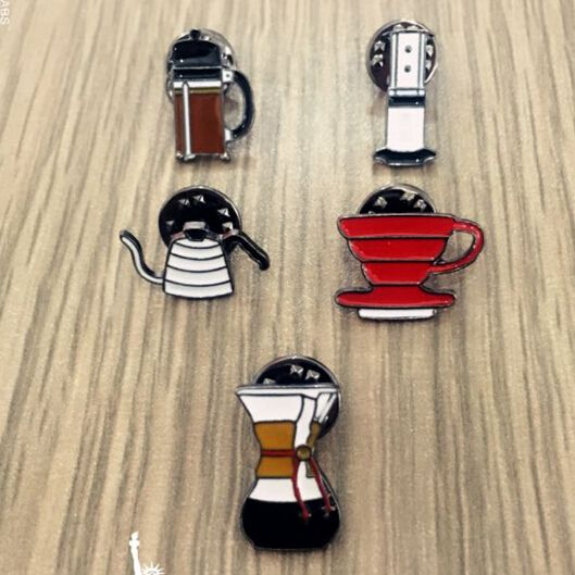 X077  Free shipping Cute Hand Washed Pot Philharmonic Filter Cup Coffee Chemex Brooch Pins,Fashion Jewelry Wholesale