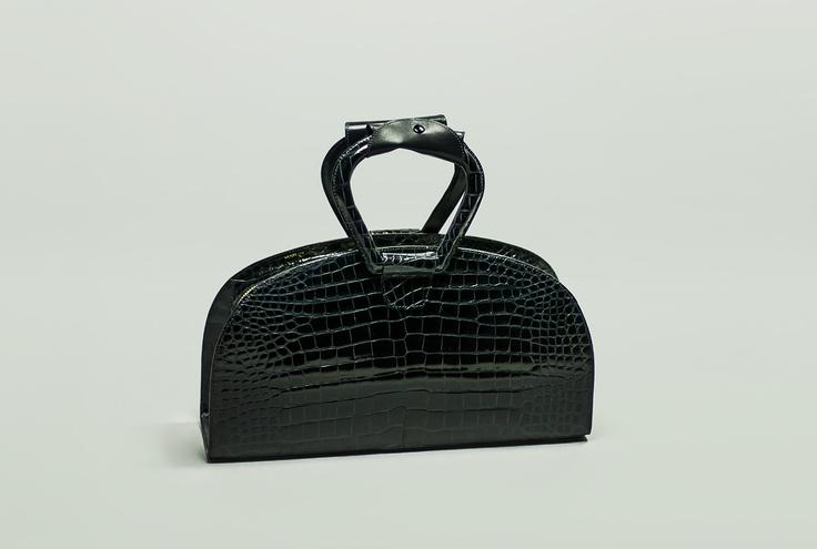 MADDI       Elegant bag, zip closure  and double handle