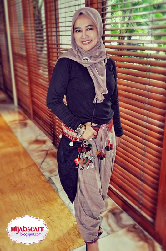 Style Spotted : Islamic Fashion Festival 2010 | Hijab Scarf