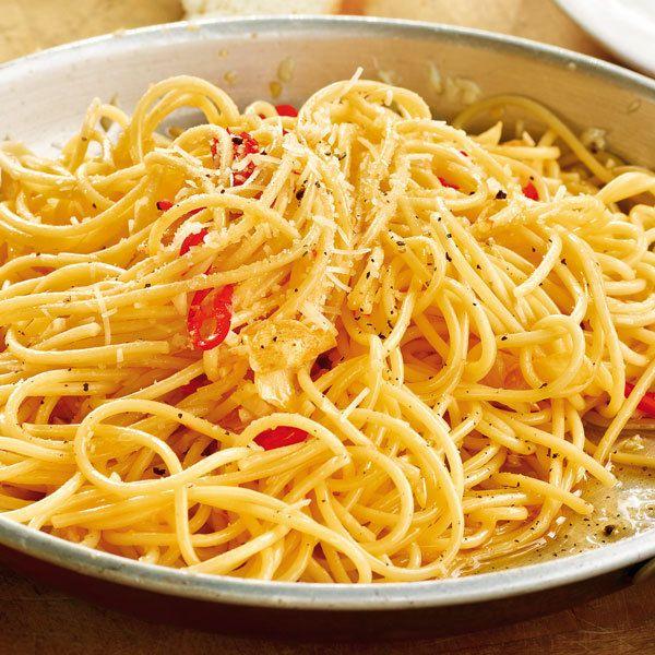 Spaghetti mit Knoblauchöl und Peperoni